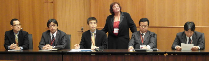 Представители издательств Сёгакукан и Коданся, а также переводчик