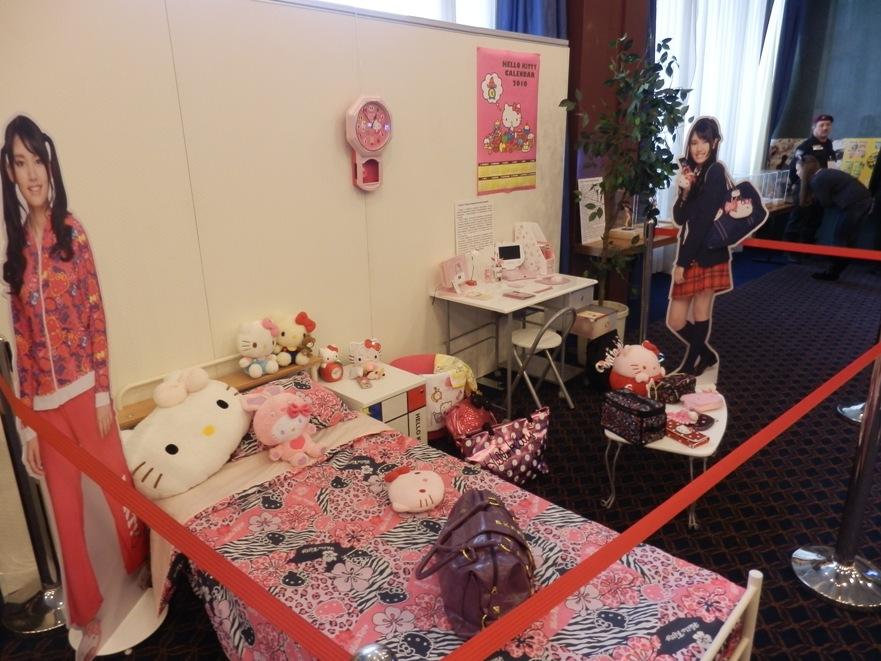 """Воссоздание комнаты японской старшеклассницы на выставке """"Япония – империя анимэ персонажей"""""""